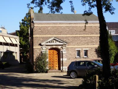 PA020510-Oud lijkenhuis